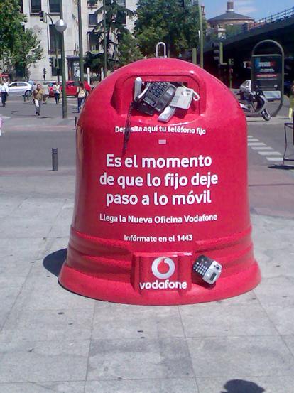 Contenedor Vodafone publicidad